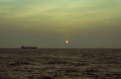 Una nave en el ancladero fotos de archivo