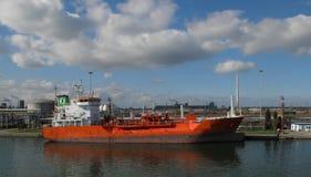 Una nave nel porto di Ravenna Immagini Stock Libere da Diritti
