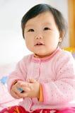 Una neonata asiatica Fotografie Stock Libere da Diritti