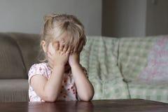 Una niña asustada Fotos de archivo