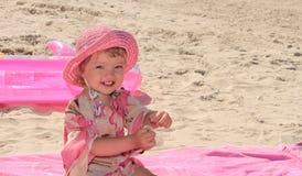 Una niña en el ambiente rosado Fotografía de archivo