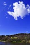 Una nube Fotos de archivo libres de regalías