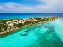 Una opinión aérea Isla Mujeres en Cancun, México foto de archivo