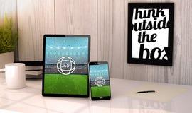 Una opinión de 360 grados de un evento del sportig en los dispositivos en un lugar de trabajo m Fotos de archivo libres de regalías