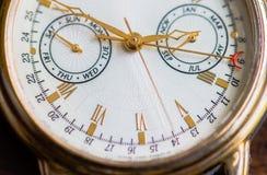 Una opinión de la macro del reloj fotografía de archivo libre de regalías