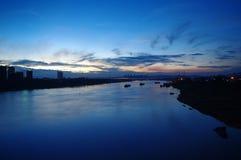 Una opinión de la noche del río de Yongjiang fotos de archivo libres de regalías