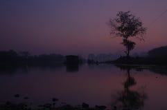 Una opinión de la noche Li River imagenes de archivo