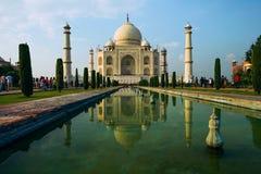 Una opinión de perspectiva sobre el mausoleo del Taj Mahal Fotos de archivo