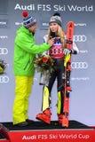 Una opinión general al pueblo y a la gente del festival durante el eslalom gigante de Audi FIS el Ski World Cup Women alpino imagen de archivo