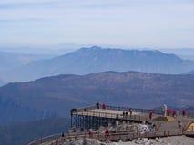 Una opinión imponente Jade Dragon Snow Mountain en Lijiang Yunnan P imagenes de archivo