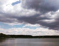 Una opinión sobre un río Fotos de archivo