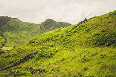 Una opini?n del paisaje de la monta?a en Cumbria imágenes de archivo libres de regalías