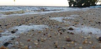 Una orilla con playas fotografía de archivo libre de regalías