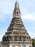 Una pagoda en el Wat Arun (templo del amanecer) Foto de archivo libre de regalías