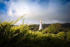 Una pagoda in una montagna Fotografie Stock Libere da Diritti