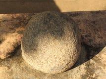 Una palla invecchiata della pietra del cannone Immagine Stock Libera da Diritti