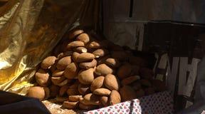 Una panadería en el aire abierto entre los callejones del Medina fotos de archivo libres de regalías