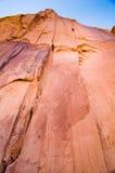 Una pared escarpada de la roca en Moab, UT imagenes de archivo