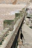Una parete dell'elevazione è stata costruita sulla spiaggia in Bernerie-en-Retz della La (Francia) Immagini Stock Libere da Diritti