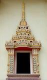 Una parte de la puerta en templo tailandés Imagen de archivo