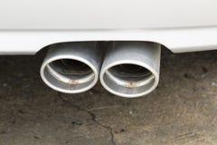 Una parte delle automobili moderne, tubo di scarico dell'automobile Immagine Stock
