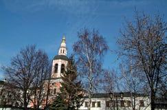 Una passeggiata attraverso il monastero Immagini Stock