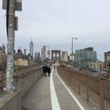 Una passeggiata lunga alla città Fotografie Stock Libere da Diritti