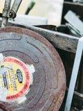 Una película vieja de Foton en caja oxidada fotografía de archivo libre de regalías