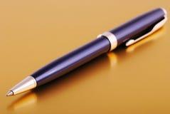 Una penna Fotografie Stock Libere da Diritti