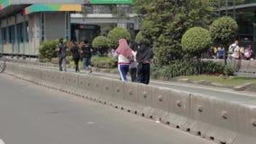 Una pentola ha lasciato il colpo di una ragazza che pareggia nel CFD archivi video