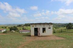Una pequeña pliegue-tienda en Swazilandia rural, África meridional Foto de archivo libre de regalías