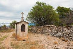 Una piccola cappella cristiana in un posto pittoresco Immagini Stock
