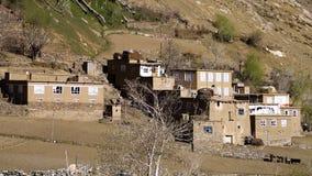 Una piccola città in una zona del deserto stock footage