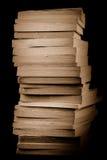 Una pila de libros viejos imagen de archivo libre de regalías