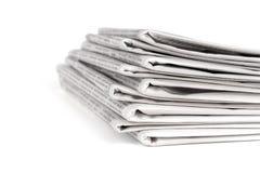 Una pila de periódicos Fotos de archivo libres de regalías