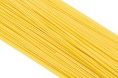 Una pila de primer crudo de los espaguetis Foto de archivo libre de regalías