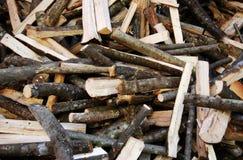 Una pila de registros de madera naturales imagen de archivo libre de regalías