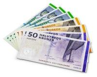 Una pila di 200, 100 e 50 banconote della corona scandinava danese Immagine Stock