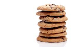 Una pila di 7 biscotti di pepita di cioccolato immagine stock