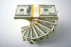 Una pila di cento fatture del dollaro Fotografie Stock
