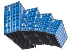 Una pila di contenitore del mare di quattro blu Fotografia Stock