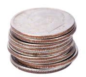 Pila isolata della moneta da dieci centesimi di dollaro degli Stati Uniti Immagini Stock