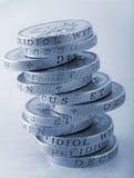 Una pila di monete da una libbra Fotografia Stock Libera da Diritti