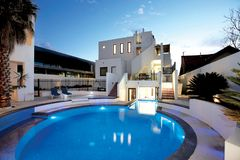 Una piscina o un'opera d'arte?? immagine stock