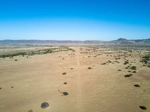 Una pista de la suciedad en Onyuva, Namibia Imagen de archivo