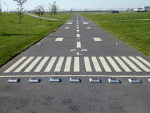 Una pista dell'aeroporto del campo da giuoco Fotografia Stock