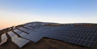 Una planta de energía solar Foto de archivo libre de regalías