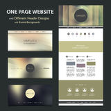 Una plantilla del sitio web de la página y diversos diseños del jefe con los fondos borrosos Imágenes de archivo libres de regalías
