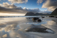 Una playa colorida Fotos de archivo libres de regalías