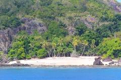 Una playa en las islas sagradas, islas de Mamanuca, Fiji foto de archivo
